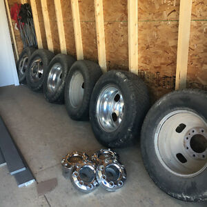 F350 King Ranch Dually wheels and tires