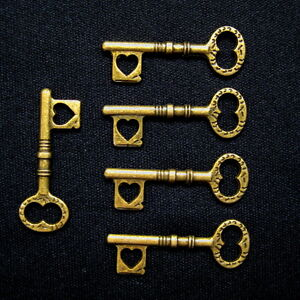 5 pcs Wholesale Lot Steampunk Antiqued Bronze Brass Heart Skeleton Keys Jewelry