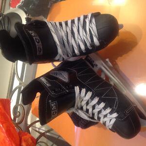 Patins de hockey CCM INTRUDER, 7 adulte