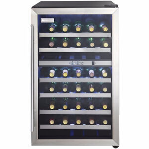 NEW DWC114BLSDD 20 in. Freestanding Compact Wine Cooler