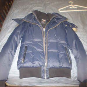 LADIES WINTER JACKET SIZE SMALL