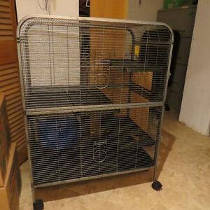 Multi-level rat cage in excellent condition!