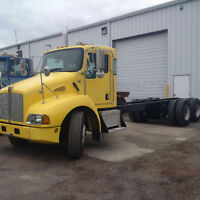 2008 T300  AUTOMATIC TANDEM CHASSIS