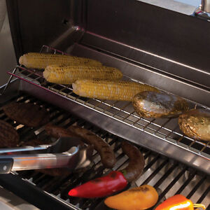 Broil King Porta-Chef 320 Grill with Cover London Ontario image 5