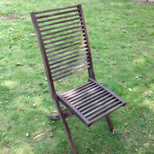 Teak wood folding chair - sealed great condition