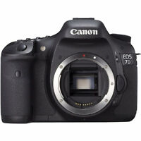 Canon EOS 7D body + 3 cartes Compact Flash