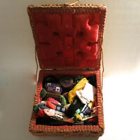Lot Vintage Sewing Box Wicker Embroidery Thread / Floss Bobbin