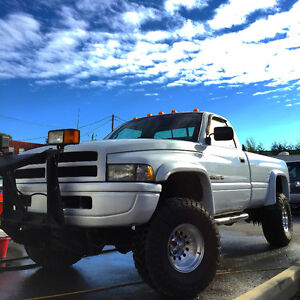 "1994 Dodge Ram 4x4.... Lift 6"" Skyjacker, Pneu 35"" Toyo"