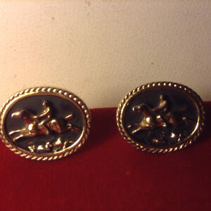 Beautiful Vintage Gilt Mens Goldtone Cufflinks