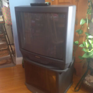 Sony Trinitron Colour TV & Stand
