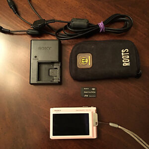 Sony Cybershot camera like new! HD