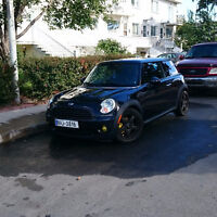 MINI Cooper mint condition drives like new 8500 nego