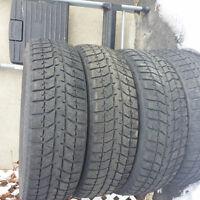 Blizzak pneus tres bonne condition