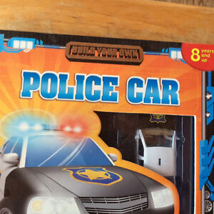 BUILD YOUR OWN POLICE CAR 2008 BY PHIDAL PUBLISHING NEW Gatineau Ottawa / Gatineau Area image 2