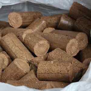 Ecofire Mechanically Pressed Hardwood Briquettes / Heatlogs - approx 900kg Bag