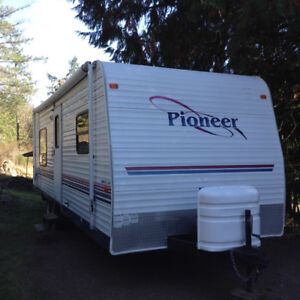Travel Trailer For Sale 26' Pioneer 2004