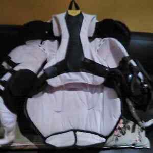 Bauer supreme one.9 chest and arm protector Kawartha Lakes Peterborough Area image 2