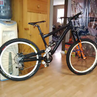 Commencal supreme mini DH 2009