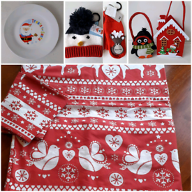 CHRISTMAS DUVET SET/HAT/MITTENS/PLATE/POT BAGS