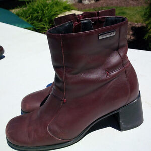 Hush Puppy Burgundy Lined boots
