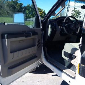 2008 F450 4x4 w/12 dump body Oakville / Halton Region Toronto (GTA) image 3