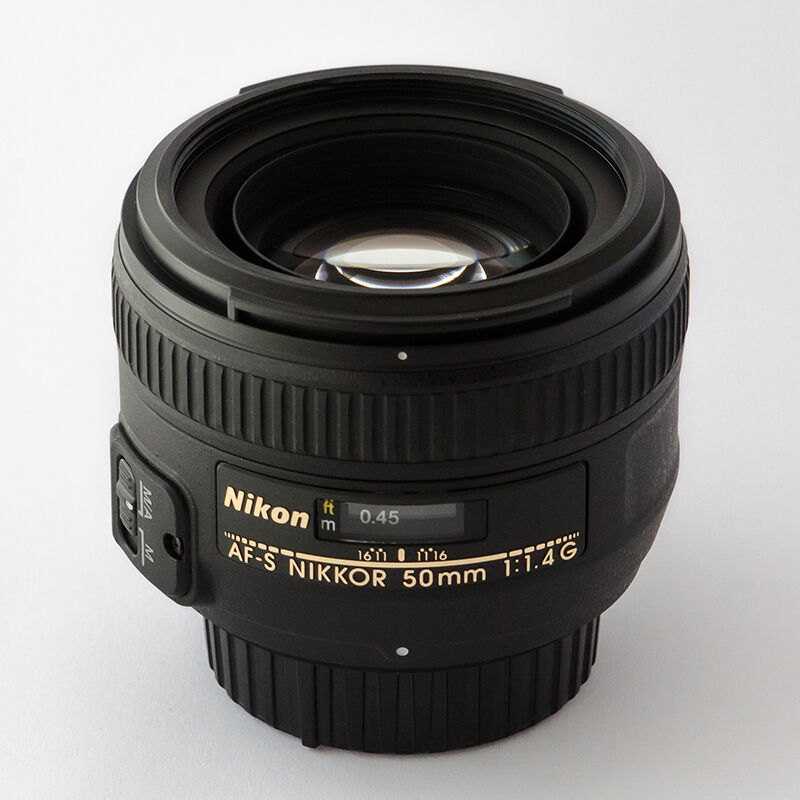 Fast standard prime: 50mm and 85mm lenses