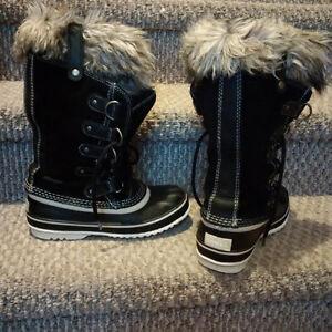 Women's Sorel boots size 6