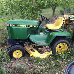 316 & 318 John Deere Lawn Tractor and Accesories