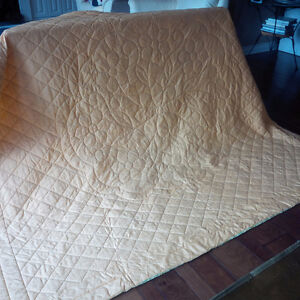 Beautiful Quilted Bedspread / Quilt Kitchener / Waterloo Kitchener Area image 5