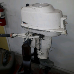 10 HP Johnson with Fuel Tank