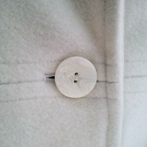 ANNE KLEIN IVORY WOOL FALL/WINTER PEA COAT - Excellent Condition Cambridge Kitchener Area image 2