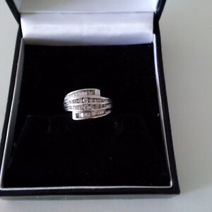 White Gold Ladies Swirl Style Diamond Ring - Size 5