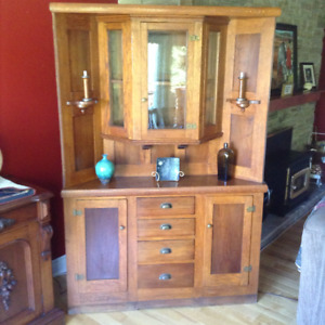 Antique primitive corner cabinet, quarter sawn oak