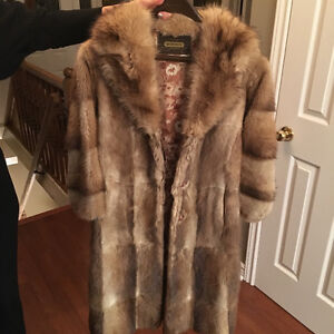 Muskrat Coat with Raccoon Collar