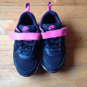 Baskets fille Nike - pointure 10