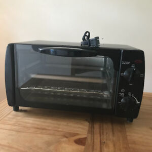 Toaster Oven, Clean, Works Great