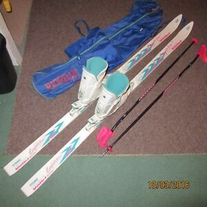 Ladies Ski Package - boot, bindings, poles, skis & bag Kitchener / Waterloo Kitchener Area image 1