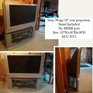 "52"" Rear Projection TV"