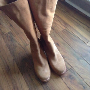 Womens ugg boots - excellent condition