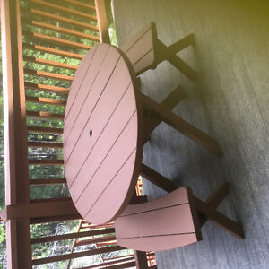 Cedar outdoor dining set