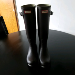 Hunter boots (worn once) size US 7-8 womens