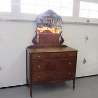 Commode en bois antique antiquité et son miroir shabby chic