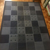 BEAUTIFUL NAVY BLUE IKEA CARPET RUG / TAPIS (66 by 90 inches)