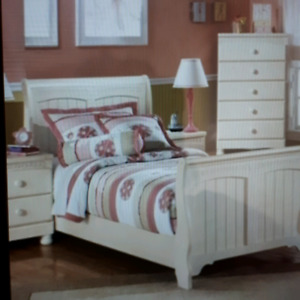 REDUCED! Sleigh Bed for Christmas Includes Dresser & Nightstand