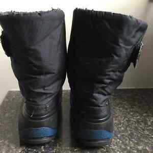Great condition boys winter boots - size 9 toddler Kingston Kingston Area image 2