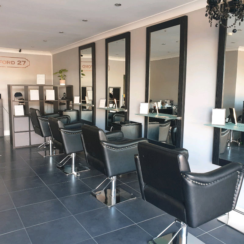 Wondrous Hair And Beauty Salon Chair And Room Rentals In Wolverton Home Interior And Landscaping Ologienasavecom