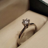 STUNNING 14K WHITE HOLD RING APPRAISED AT $2,200 !