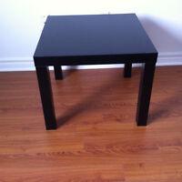 PETITE TABLE CARRE LACK NOIR IKEA $10