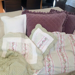 Beautiful Girl bed set West Island Greater Montréal image 2