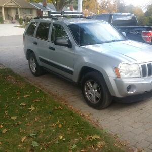 2006 Jeep Grand Cherokee black SUV, Crossover